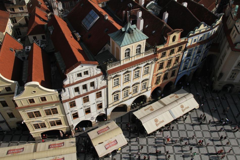 buildings-1207824_1920