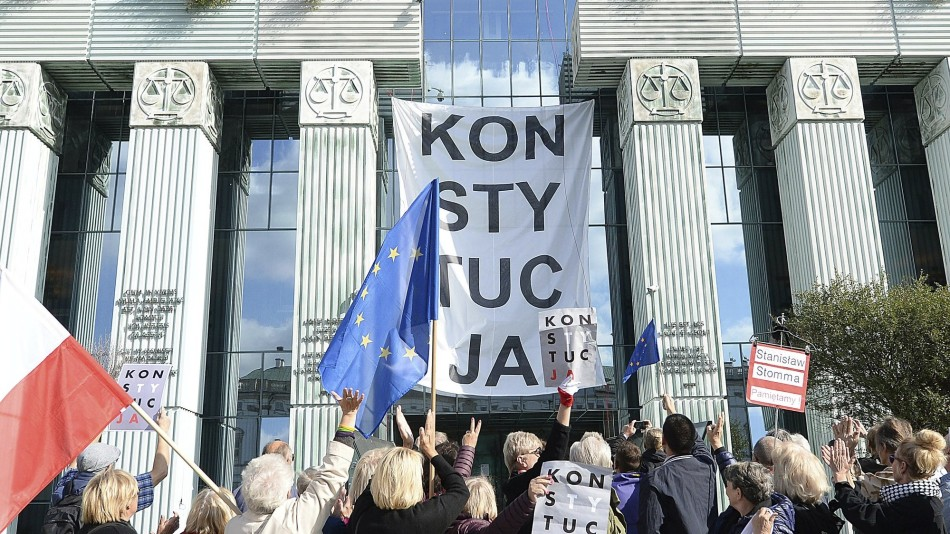 Amnesty International slammed the Polish government's attempt to politicize the judicial system